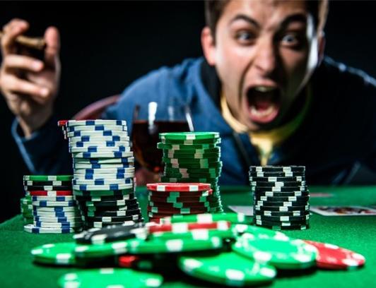 اشتباهات رایج در بازی پوکر