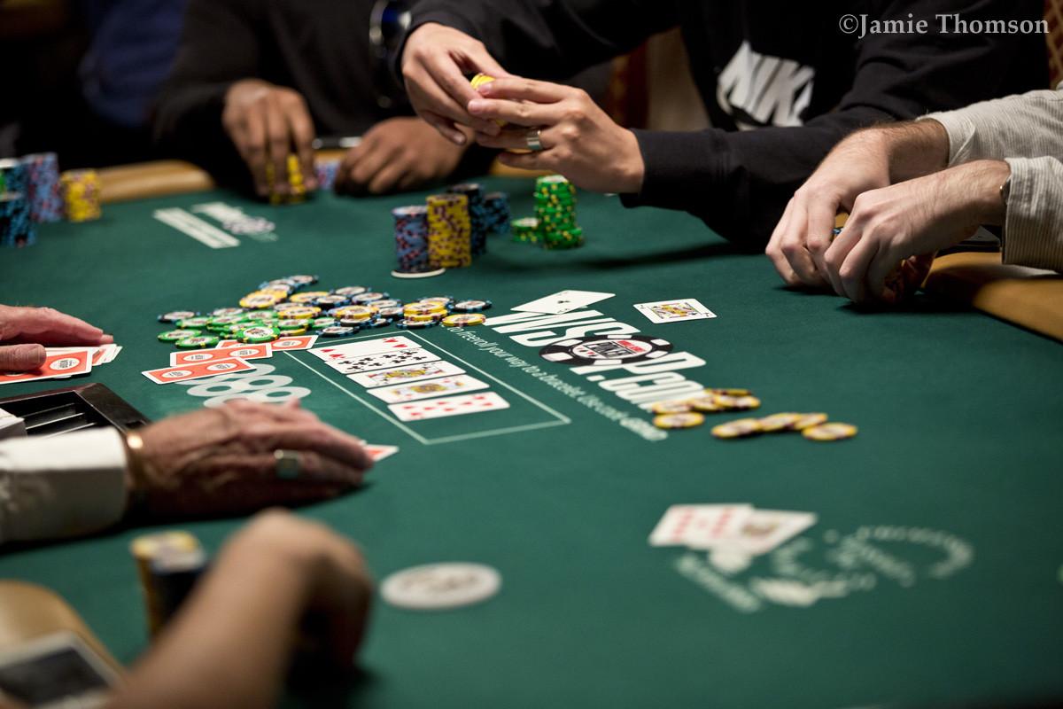 دست های متوسط در بازی پوکر